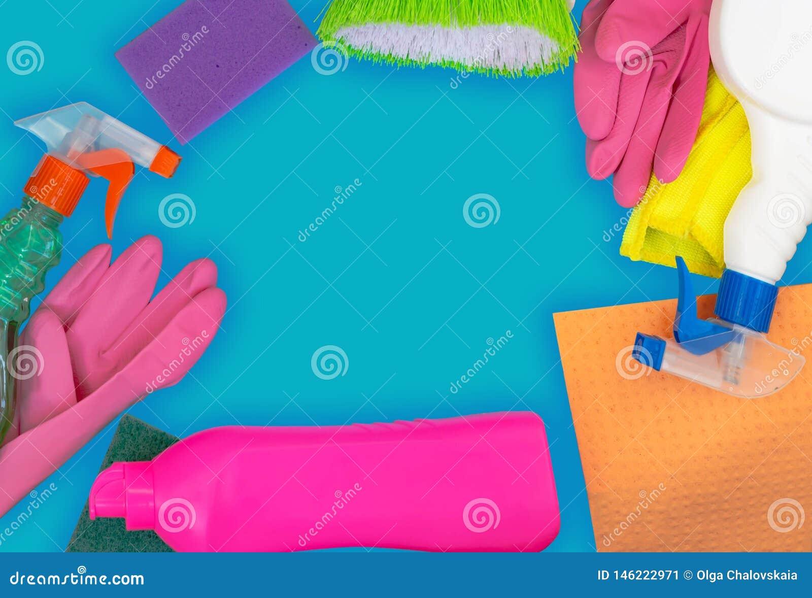 F?rgrik reng?rande upps?ttning f?r olika yttersidor i k?k, badrum och andra rum