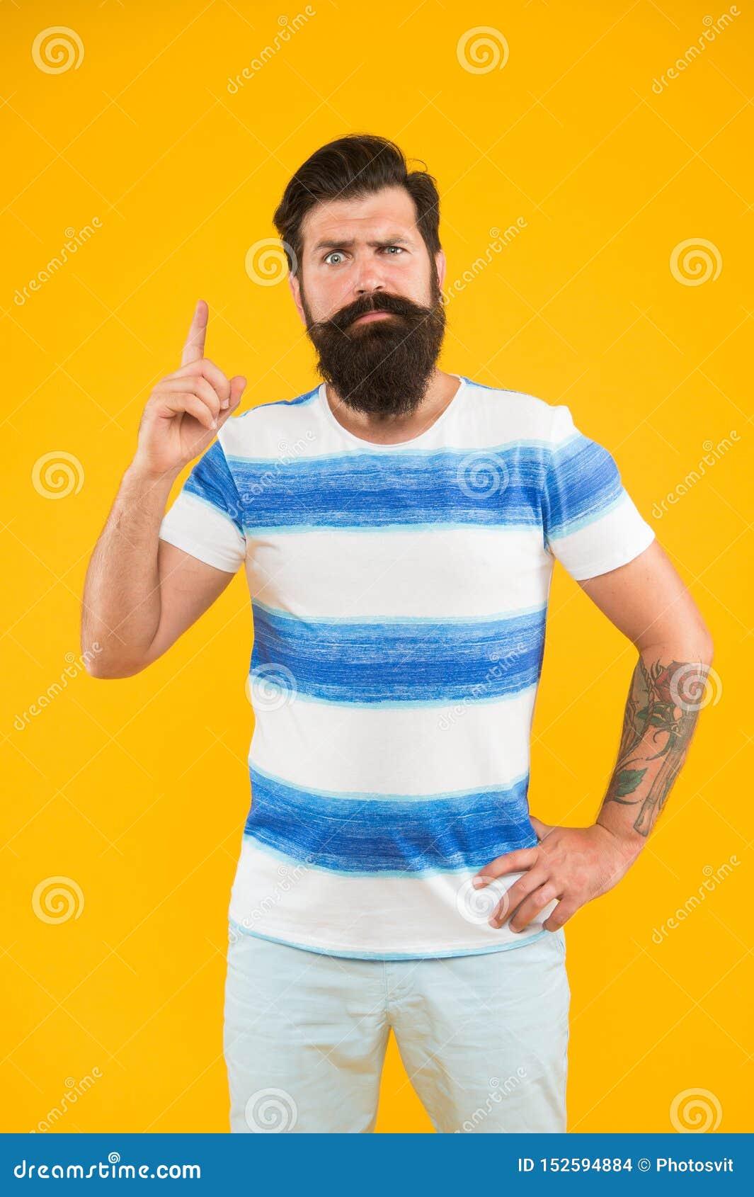 F?rias de ver?o Conceito do barbeiro Estilo do ver?o Marinheiro alegre Junte-se a minha onda Moderno farpado do homem com bigode