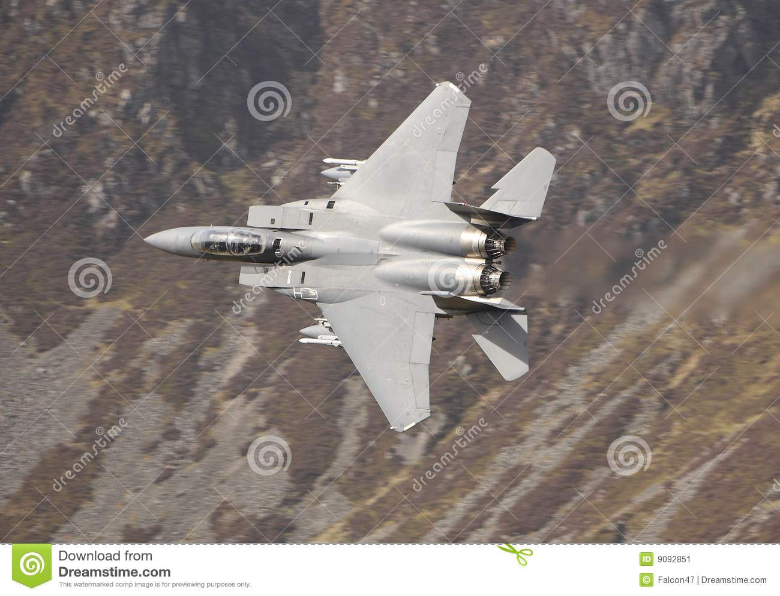 F15 niedrig
