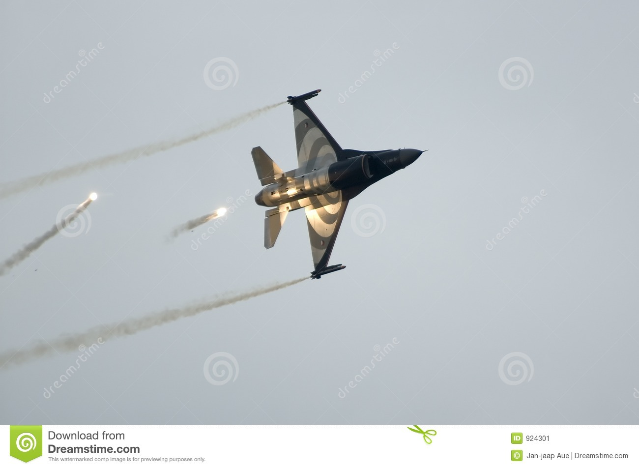 F16 Falcon in action