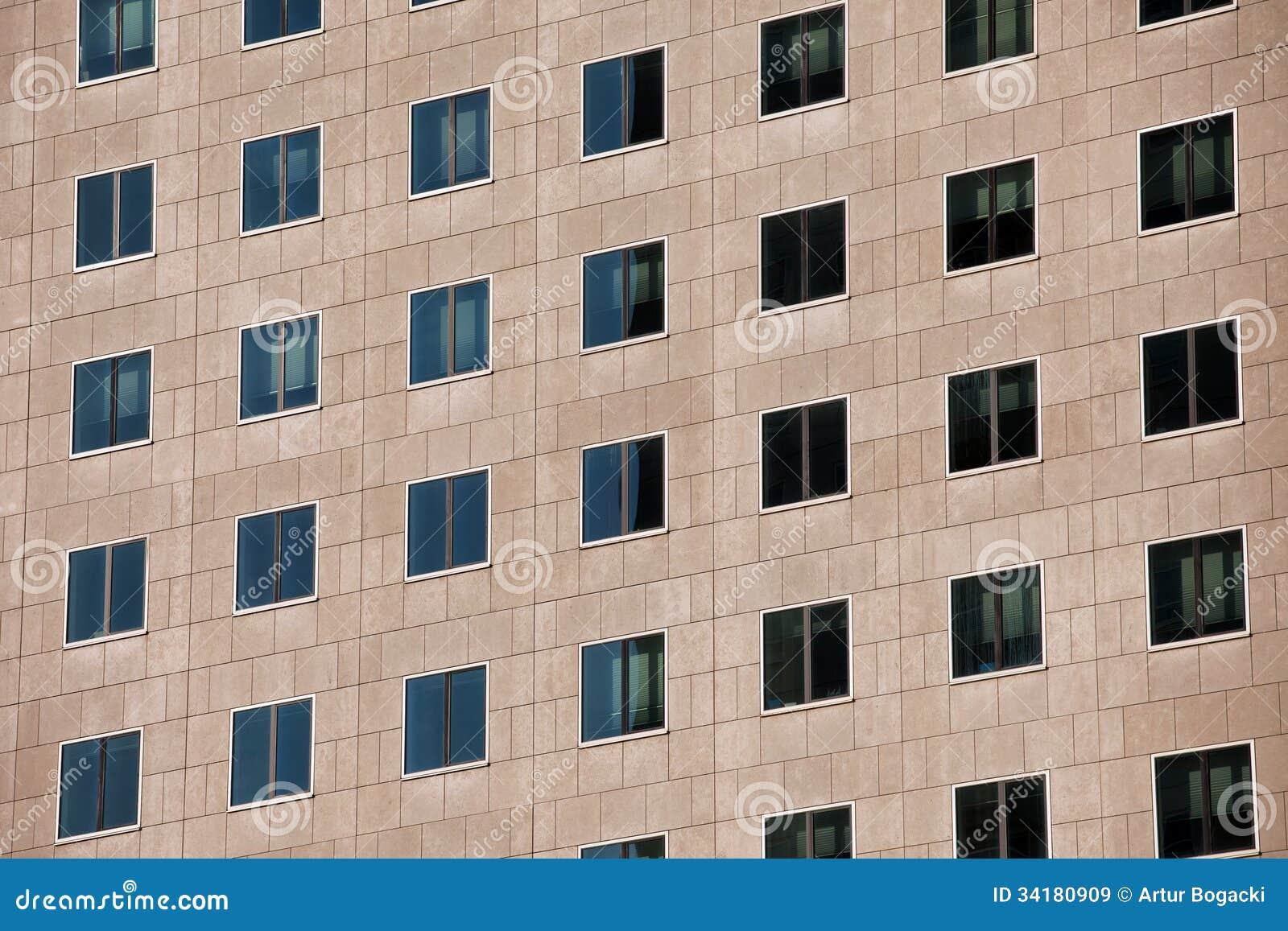 Fa ade d 39 un immeuble de bureaux moderne images libres de for Facade immeuble moderne