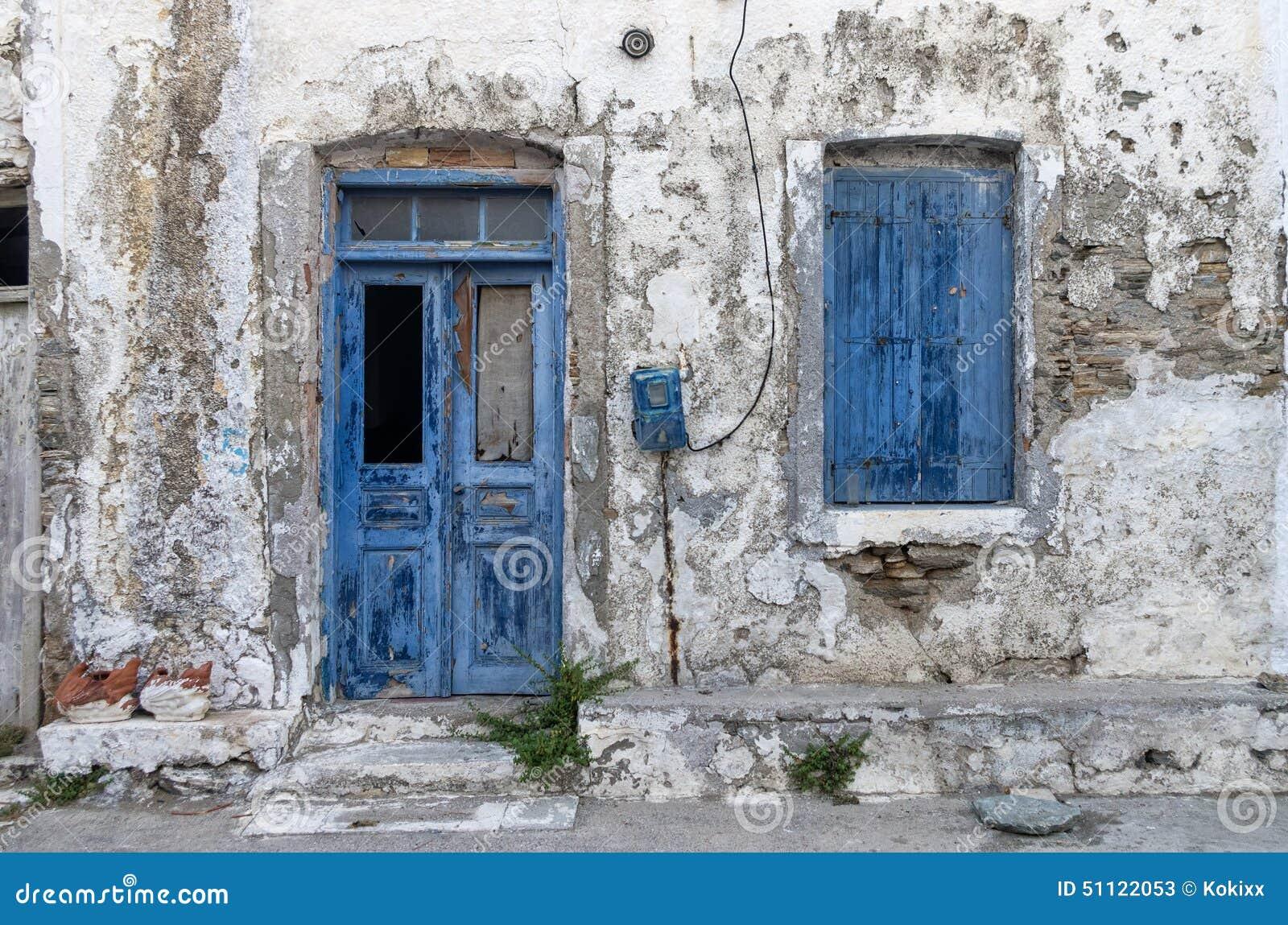 fa ade d 39 une vieille maison en le de kythnos cyclades gr ce image stock image 51122053. Black Bedroom Furniture Sets. Home Design Ideas