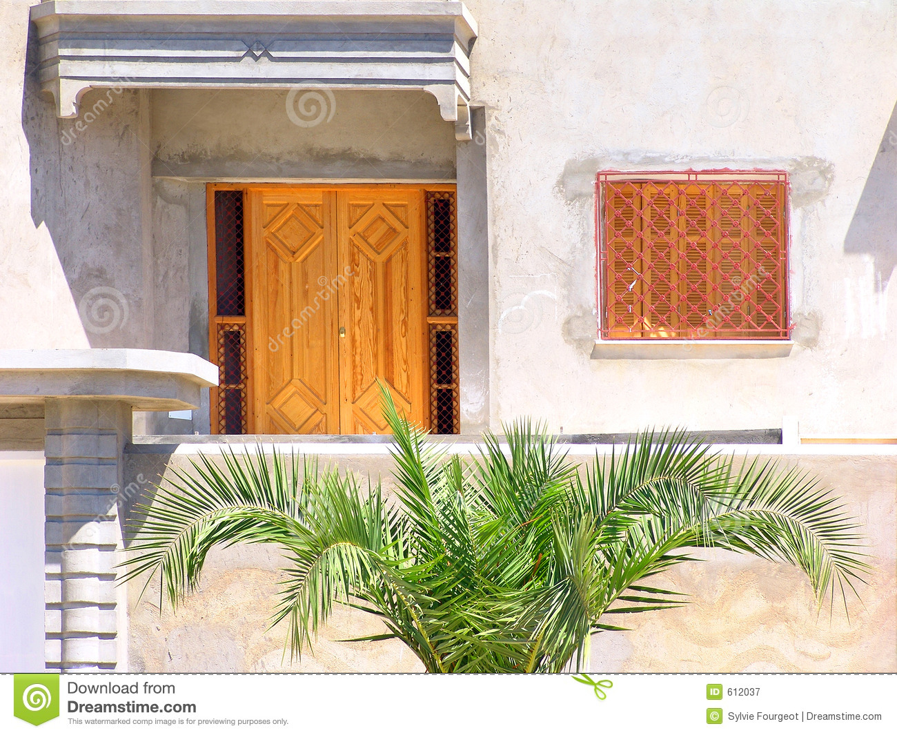 Fa ade de maison tunisienne photographie stock libre de for Architecture maison arabe