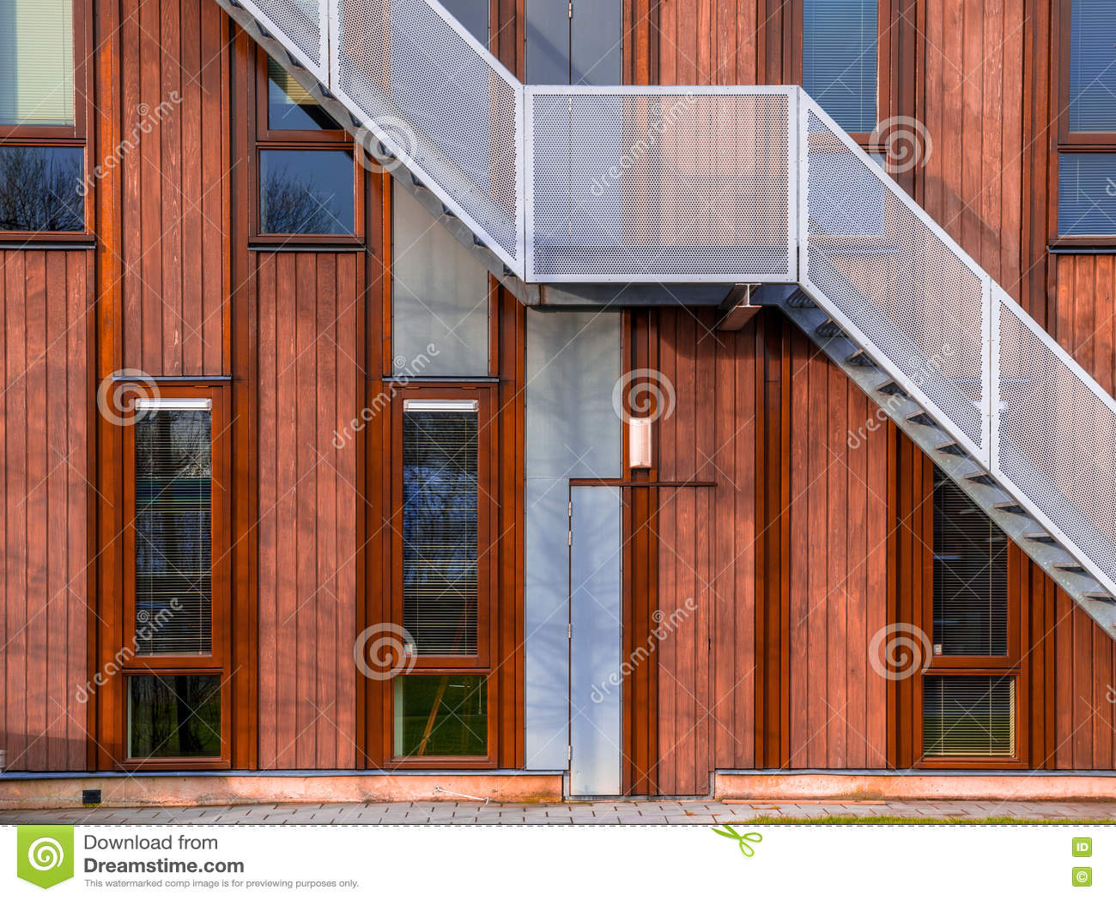 Façade en bois moderne photo stock image du gris trame