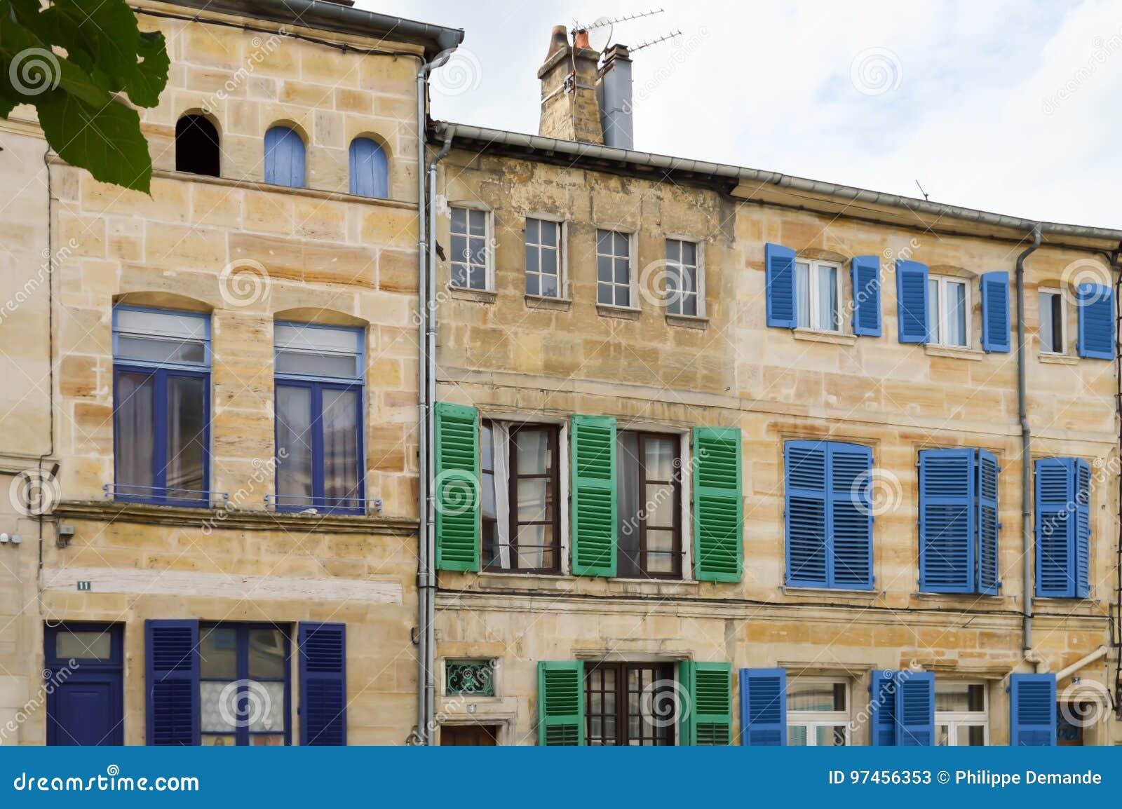 Bar Exterieur En Pierre façade en pierre des frances image stock - image du