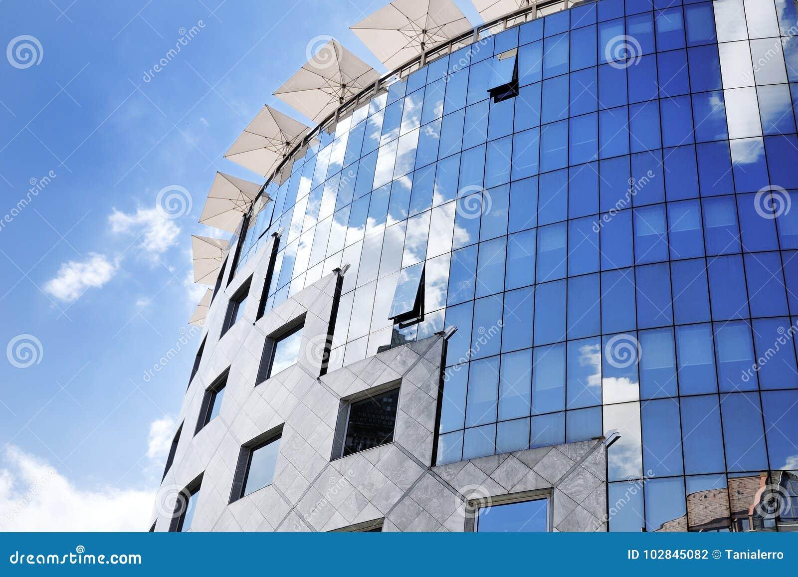 Bureau moderne photo bureau en verre et acier noir mur