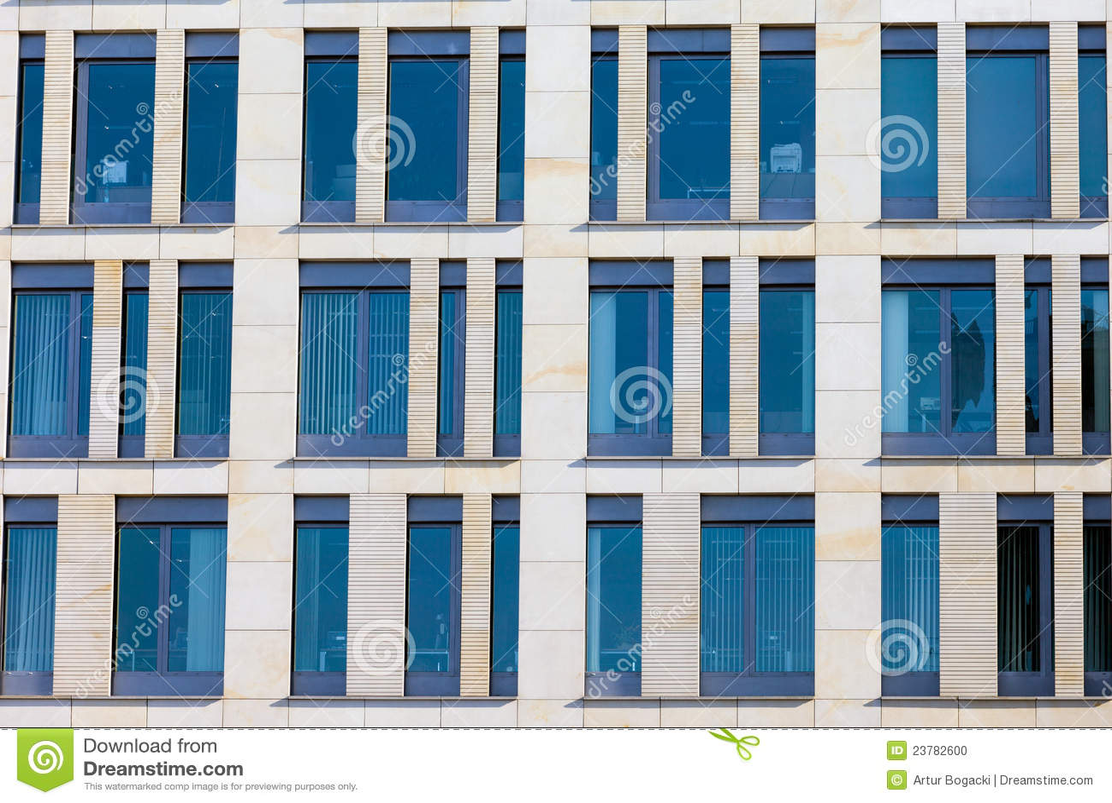 fa ade moderne d 39 immeuble de bureaux photo stock image 23782600. Black Bedroom Furniture Sets. Home Design Ideas