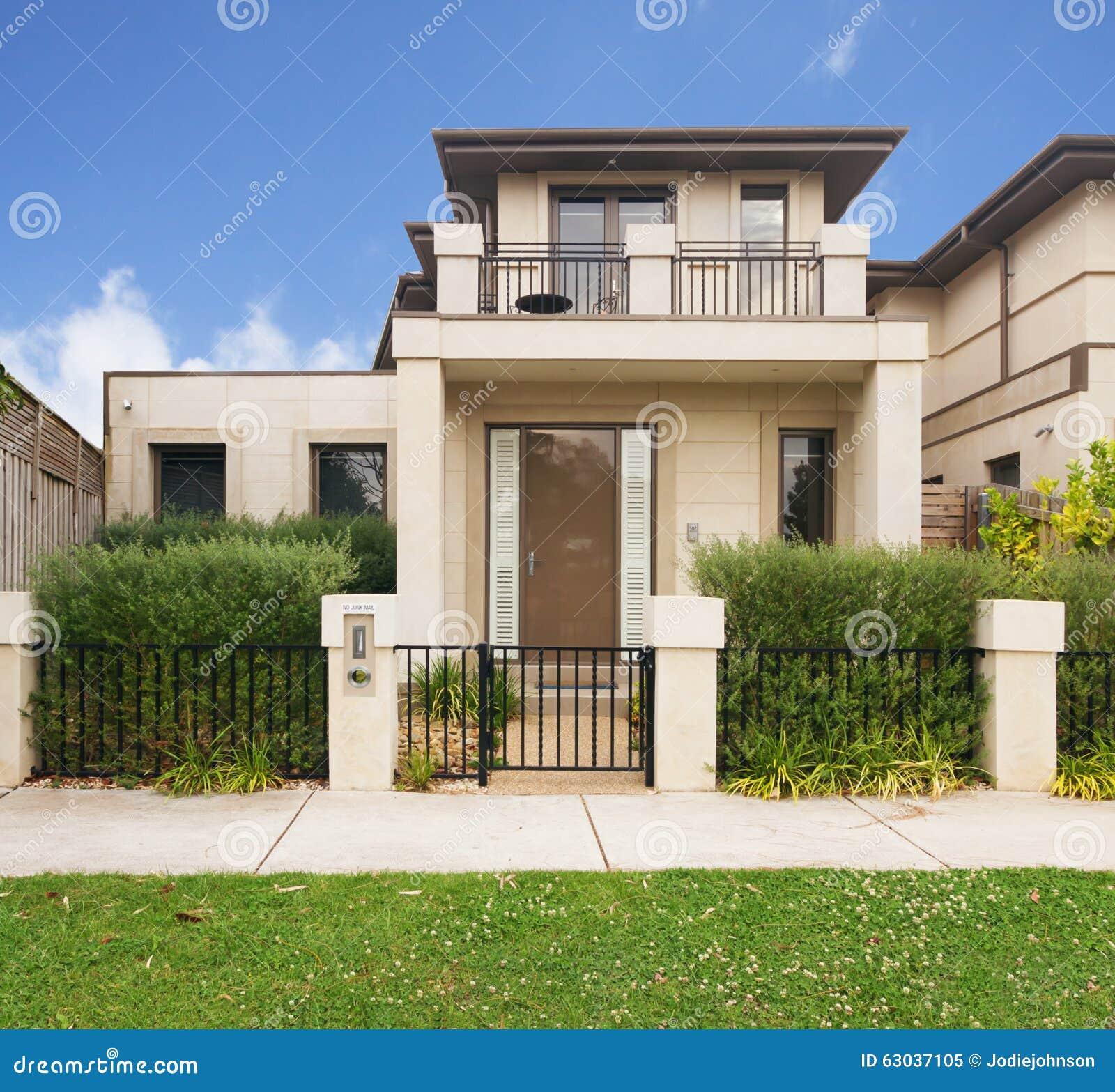 Fa ade d 39 une maison urbaine contemporaine dans l 39 australie for Maison moderne urbaine