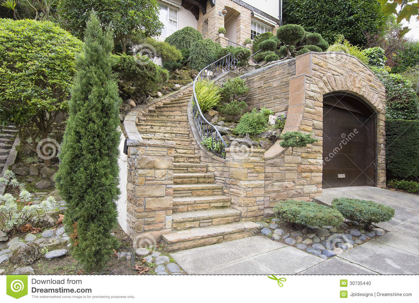 Fa ade en pierre de placage sur l 39 ext rieur de maison for Exterieur maison en pierre