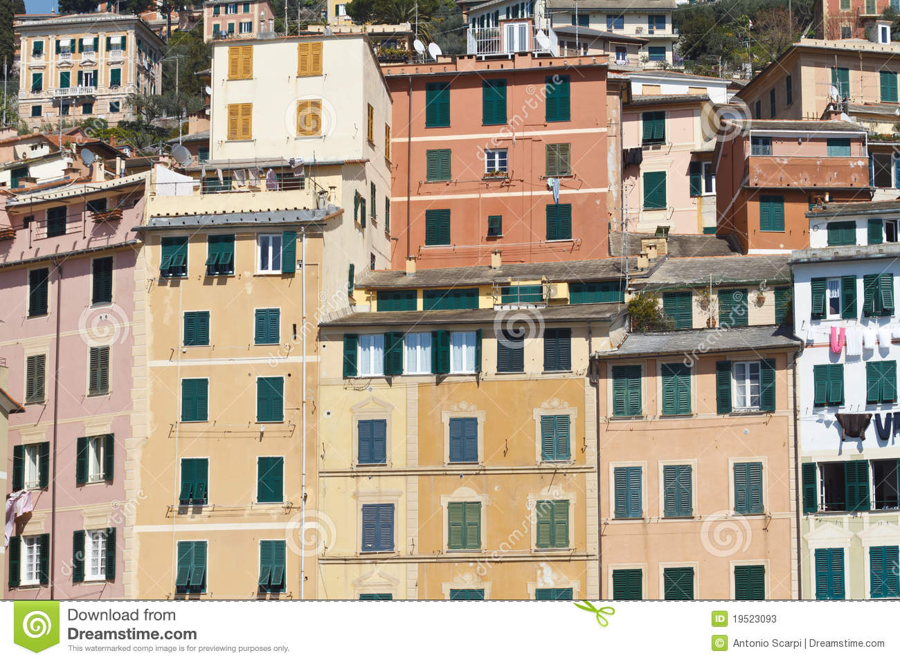 Fa ades italiennes color es photos stock image 19523093 for Maison italienne architecture