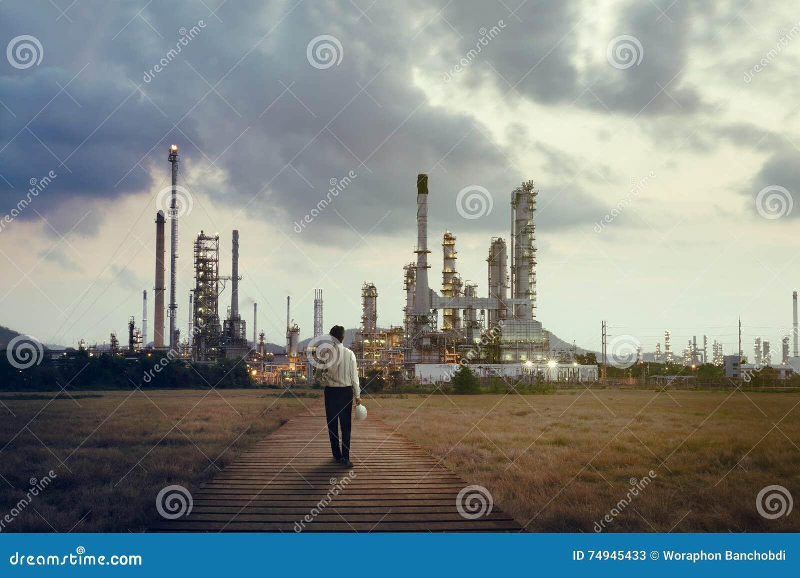 Fabbrica dell olio e del prodotto chimico
