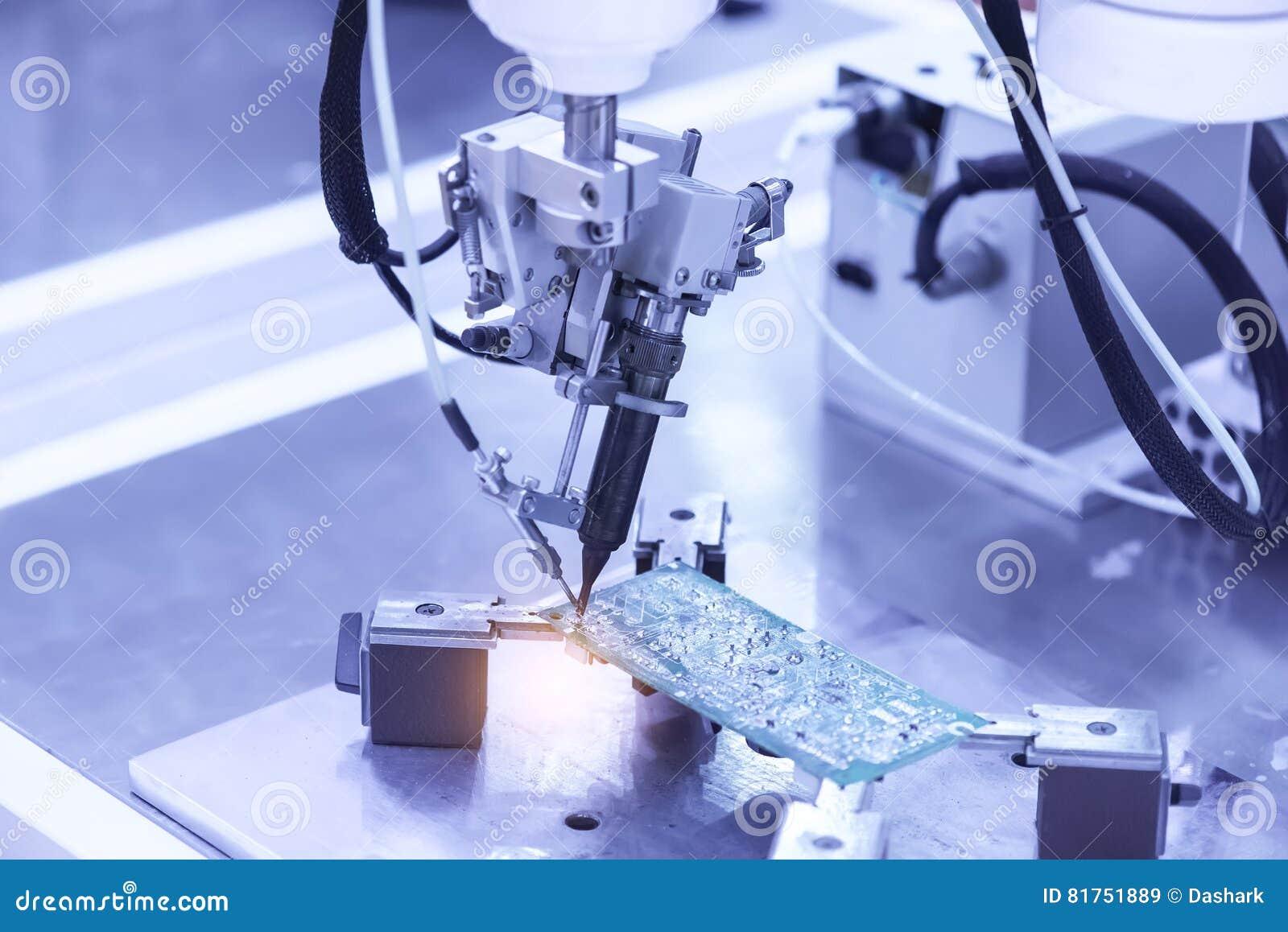 Fabbrica di produzione del microchip Processo tecnologico