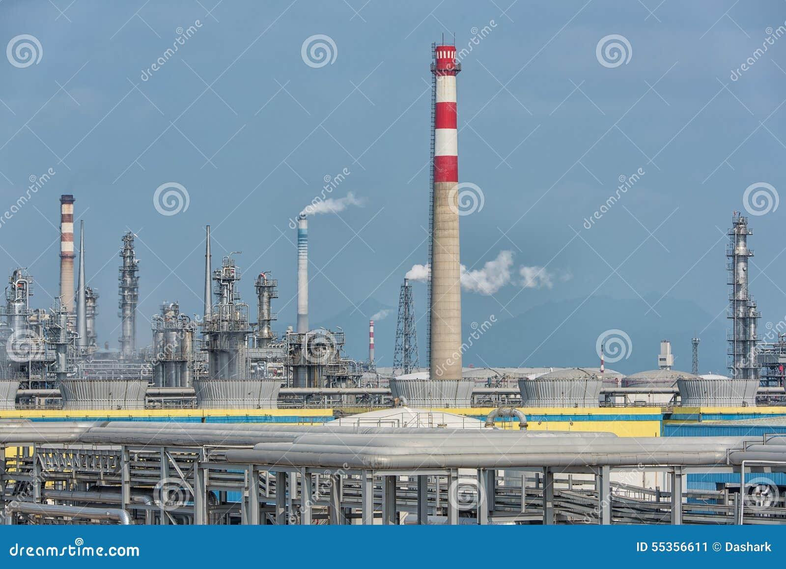 Fabbrica elaborante del gas paesaggio