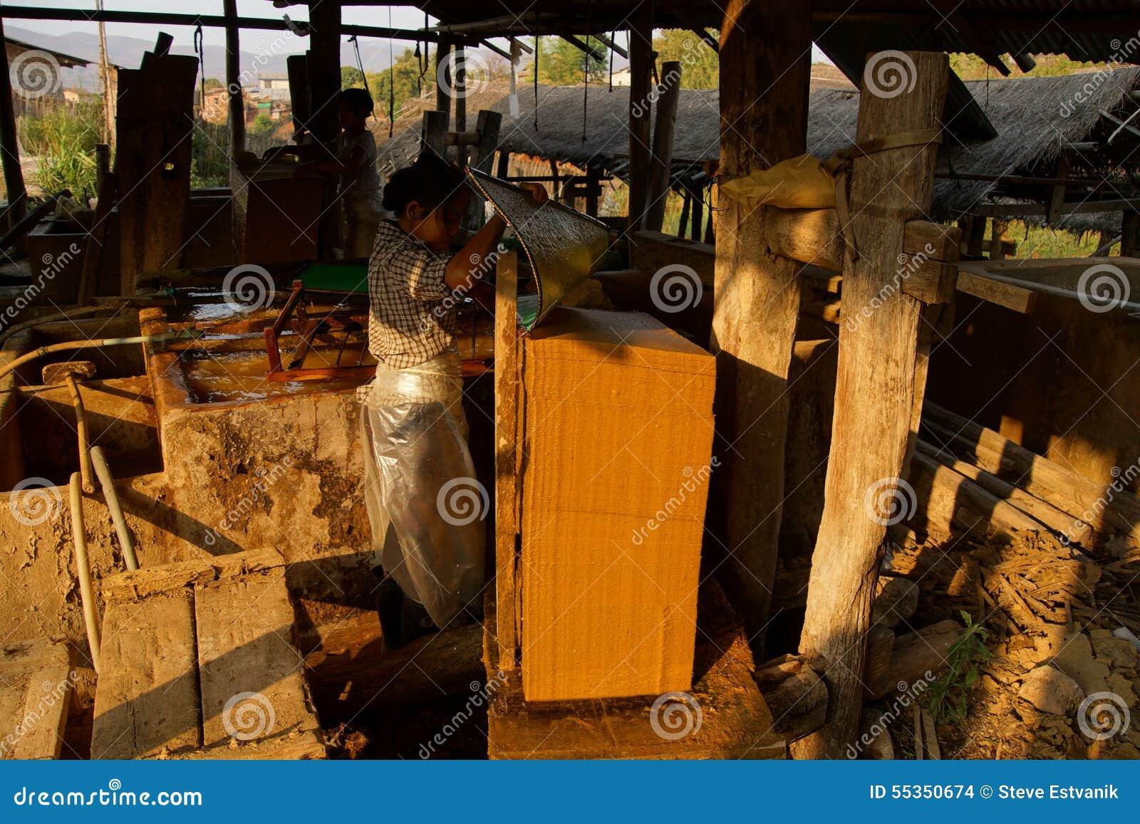 Fabbricazione degli strati di carta di bambù