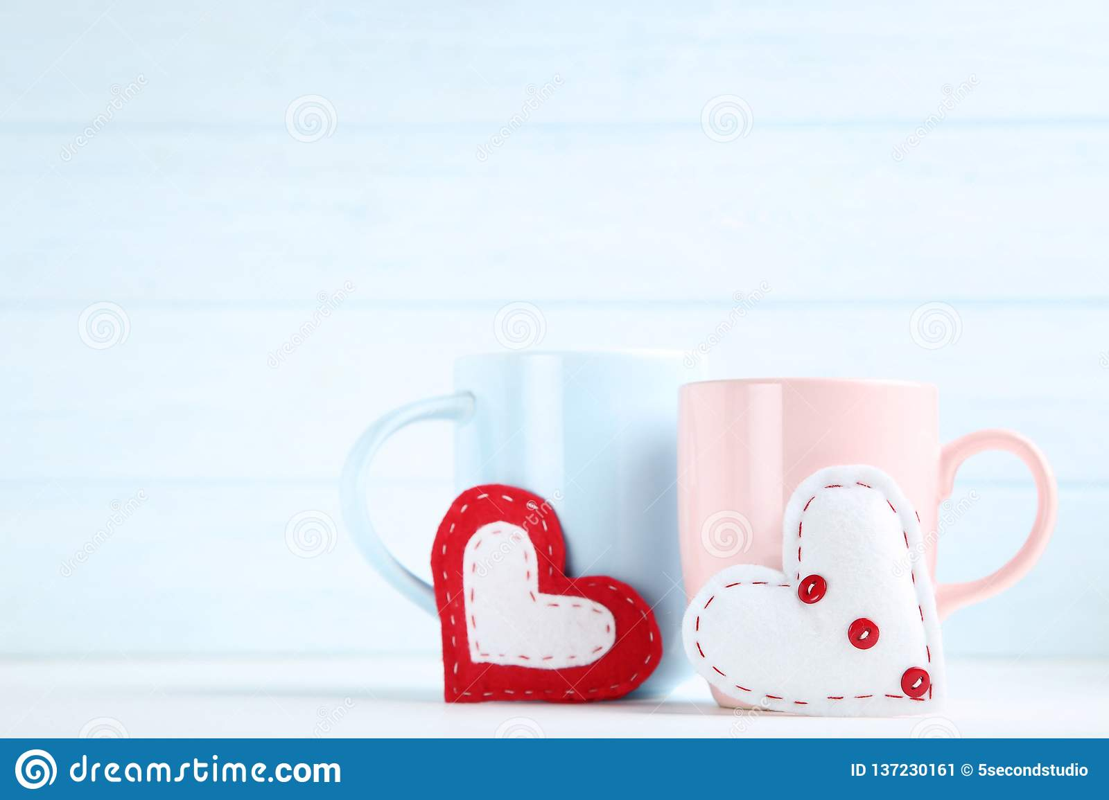 Hearts with cups