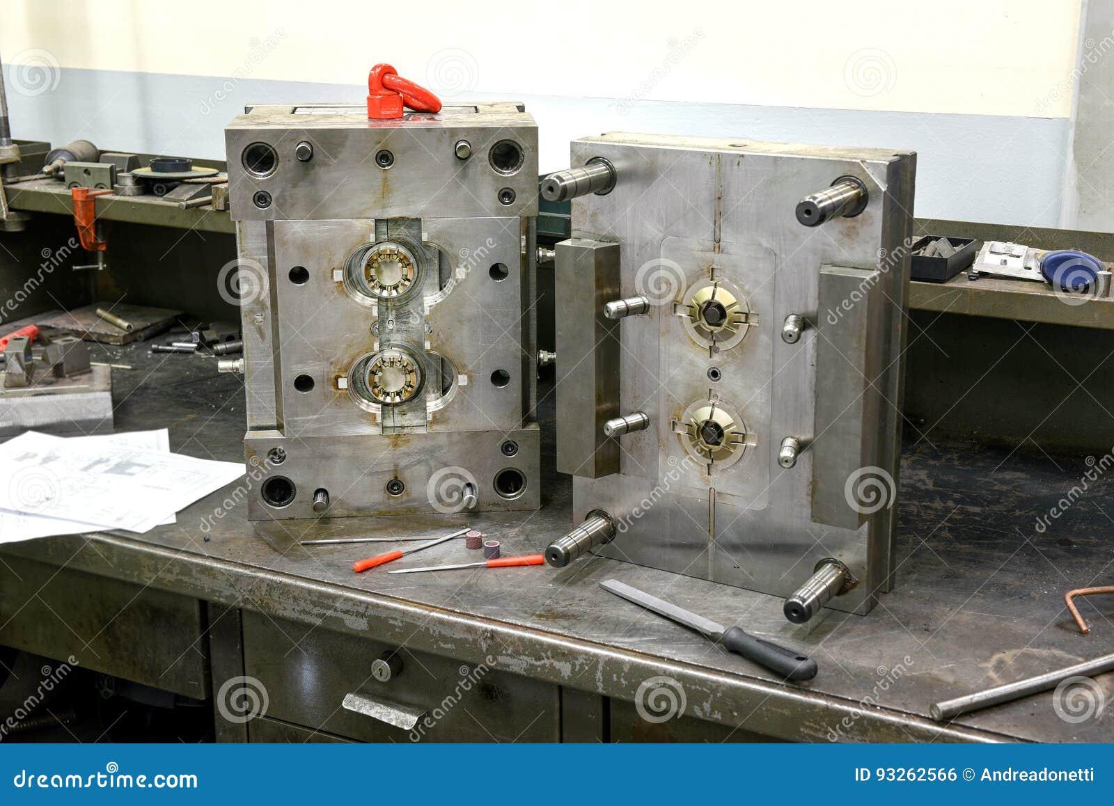 Fabricación del molde de metal