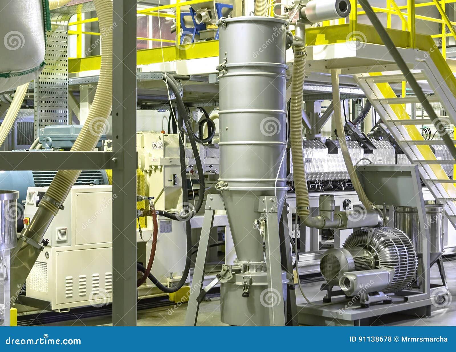 Fabrik das Innere Industriegebäudeinnenraum Anlage für die Produktion des Plastikfilmes