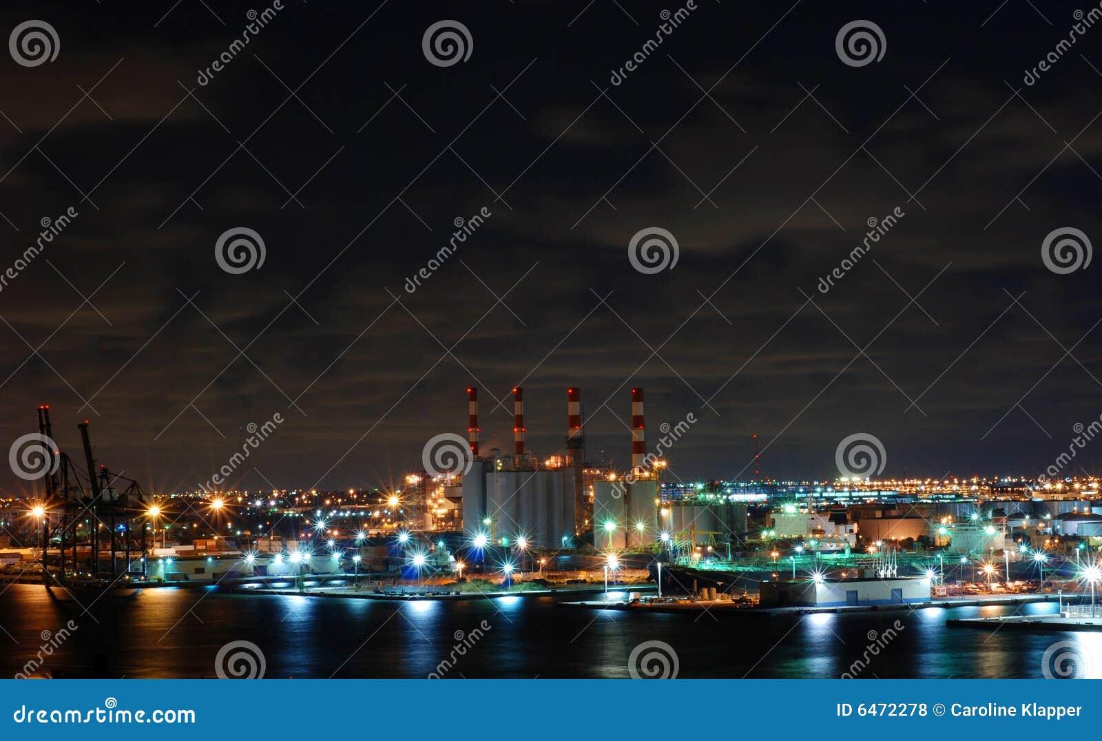 Fabryczna noc