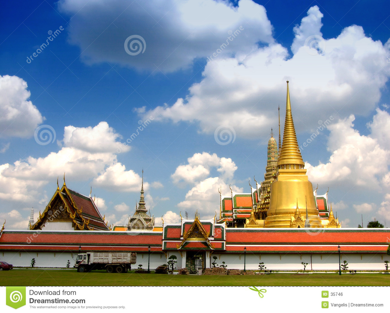Fabulous Grand Palace and Wat Phra Kaeo - Bangkok, Thailand 3