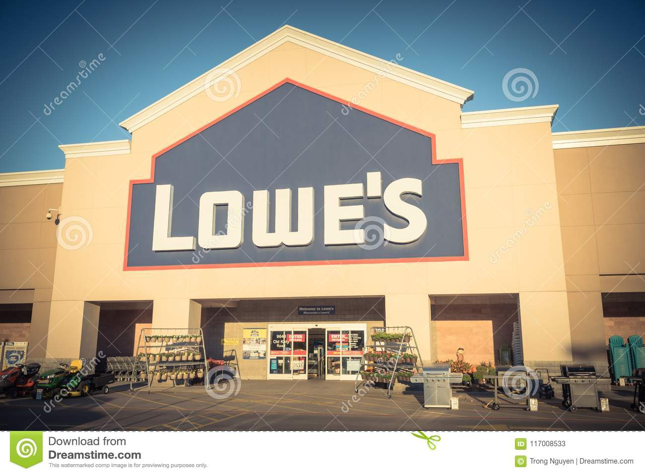 Facade Entrance Of Lowe Home Improvement Retailer In Usa Editorial Stock Photo Image Of Market Chain 117008533