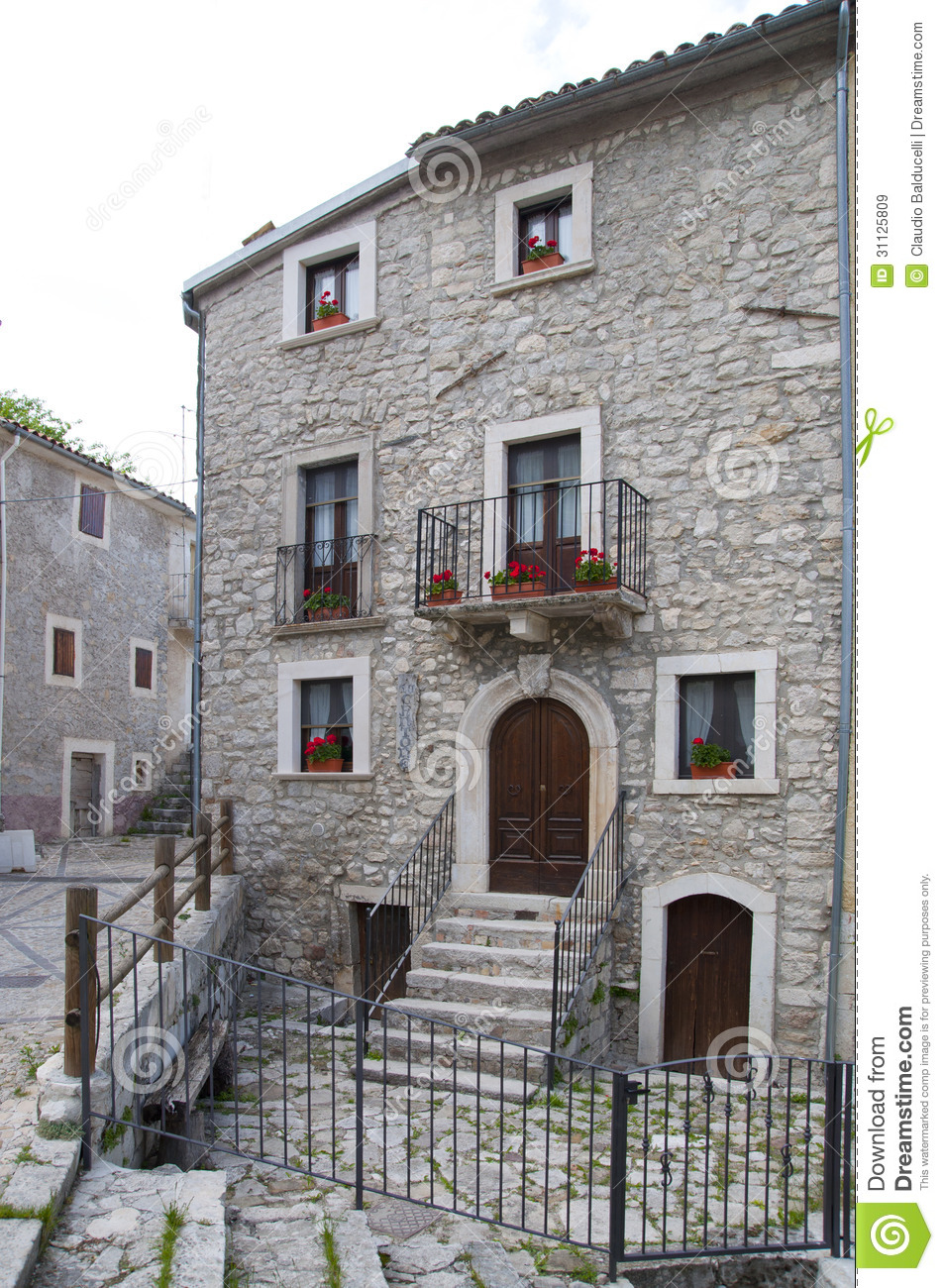 Facade stone house royalty free stock images image 31125809 Houses with stone facade