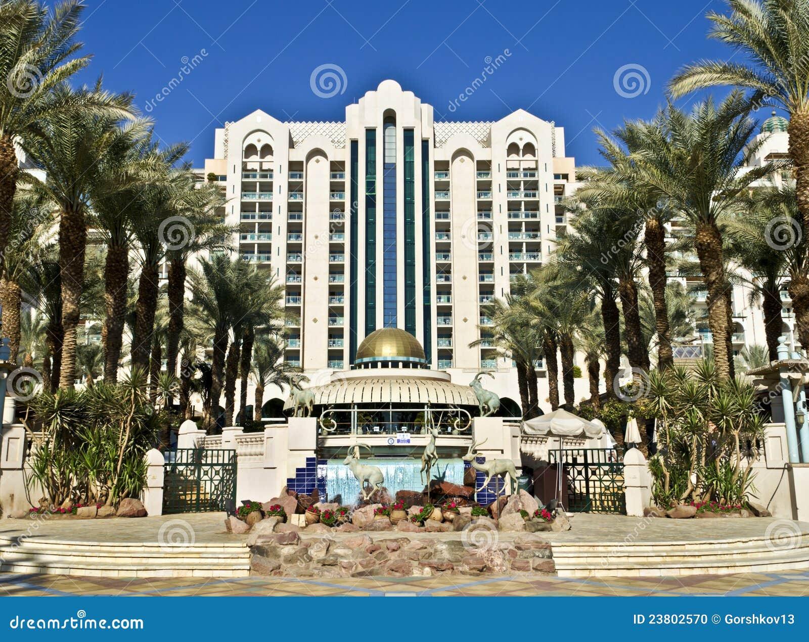 Facade of luxury hotel editorial image image 23802570 for Fachadas de hoteles de lujo