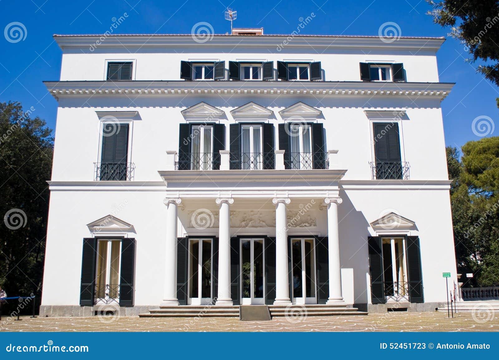 Facade of a neoclassical villa stock image image 52451723 for Les meilleurs facades des villas