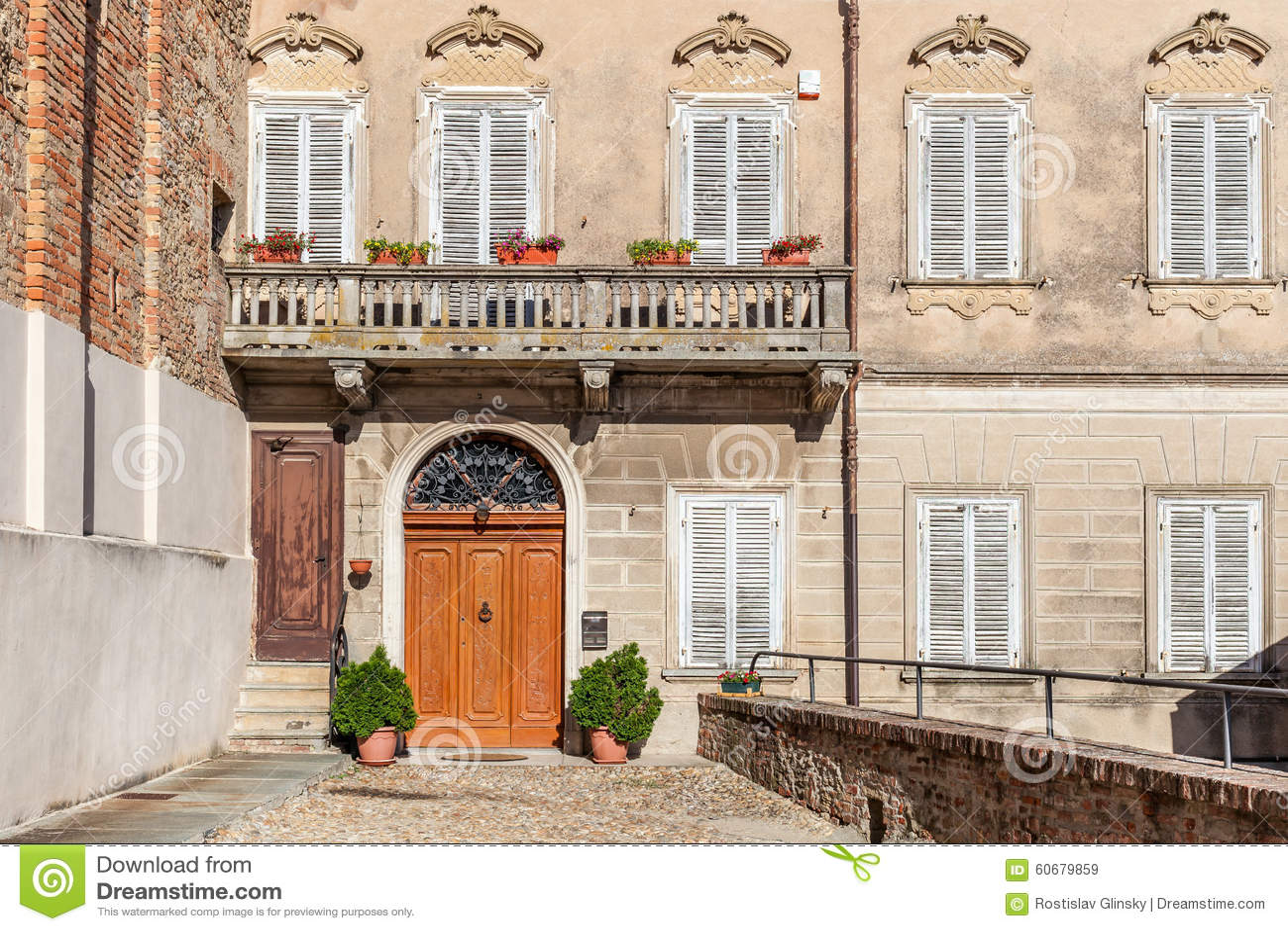 Facade of old italian house stock photo image 60679859 for Classic italian house