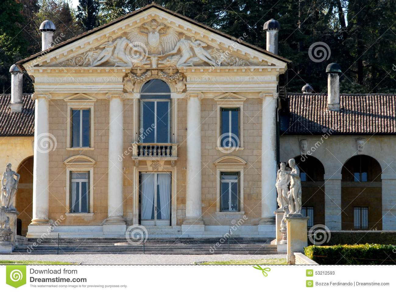 Facade of villa with four massive columns stock image for Les facade des villa