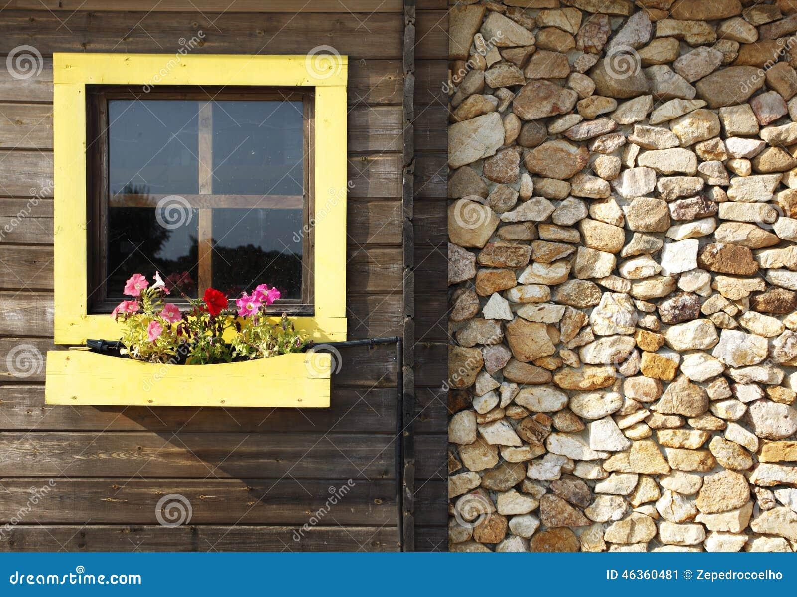 Facciata della casa di campagna immagine stock immagine for Planimetrie della casa di campagna francese