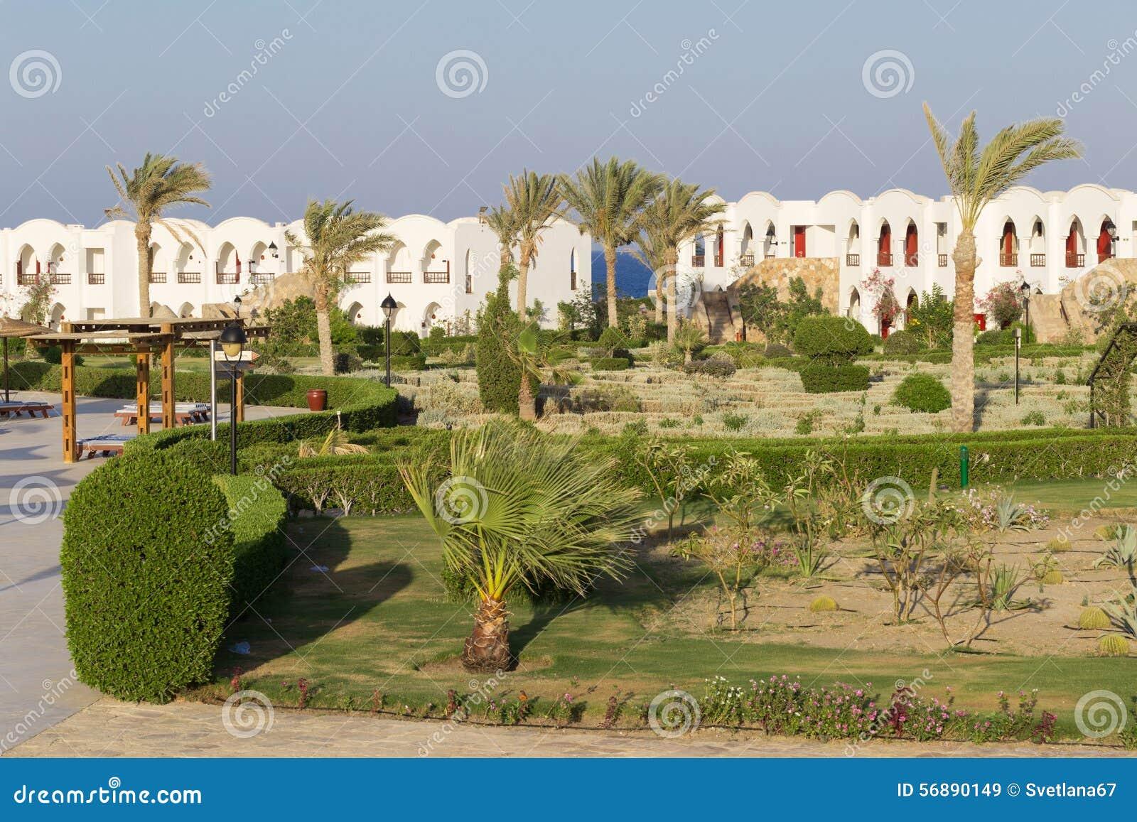 Facciata frontale dell hotel di località di soggiorno