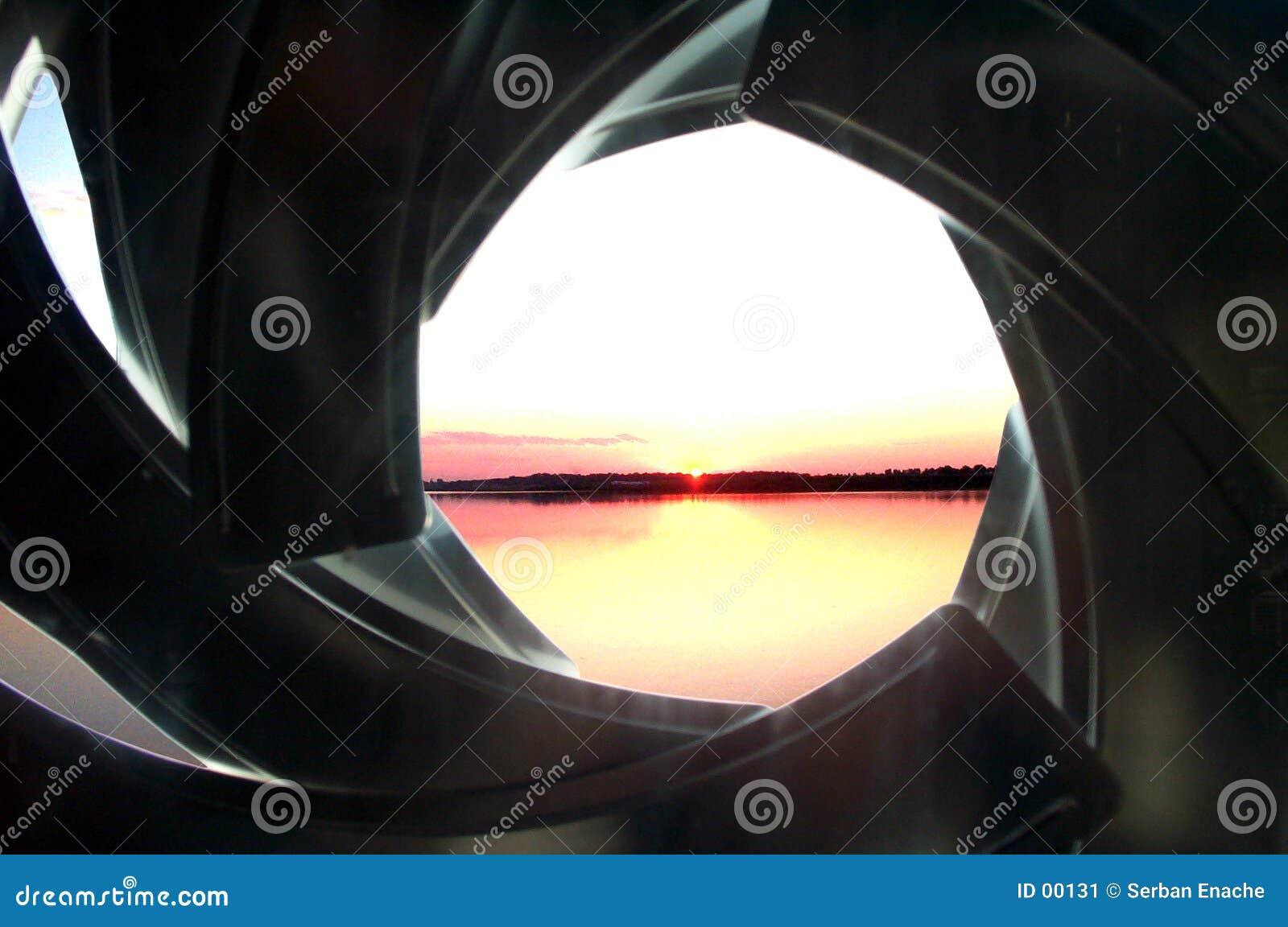 Download Facciata - otturatore-come immagine stock. Immagine di nube - 131