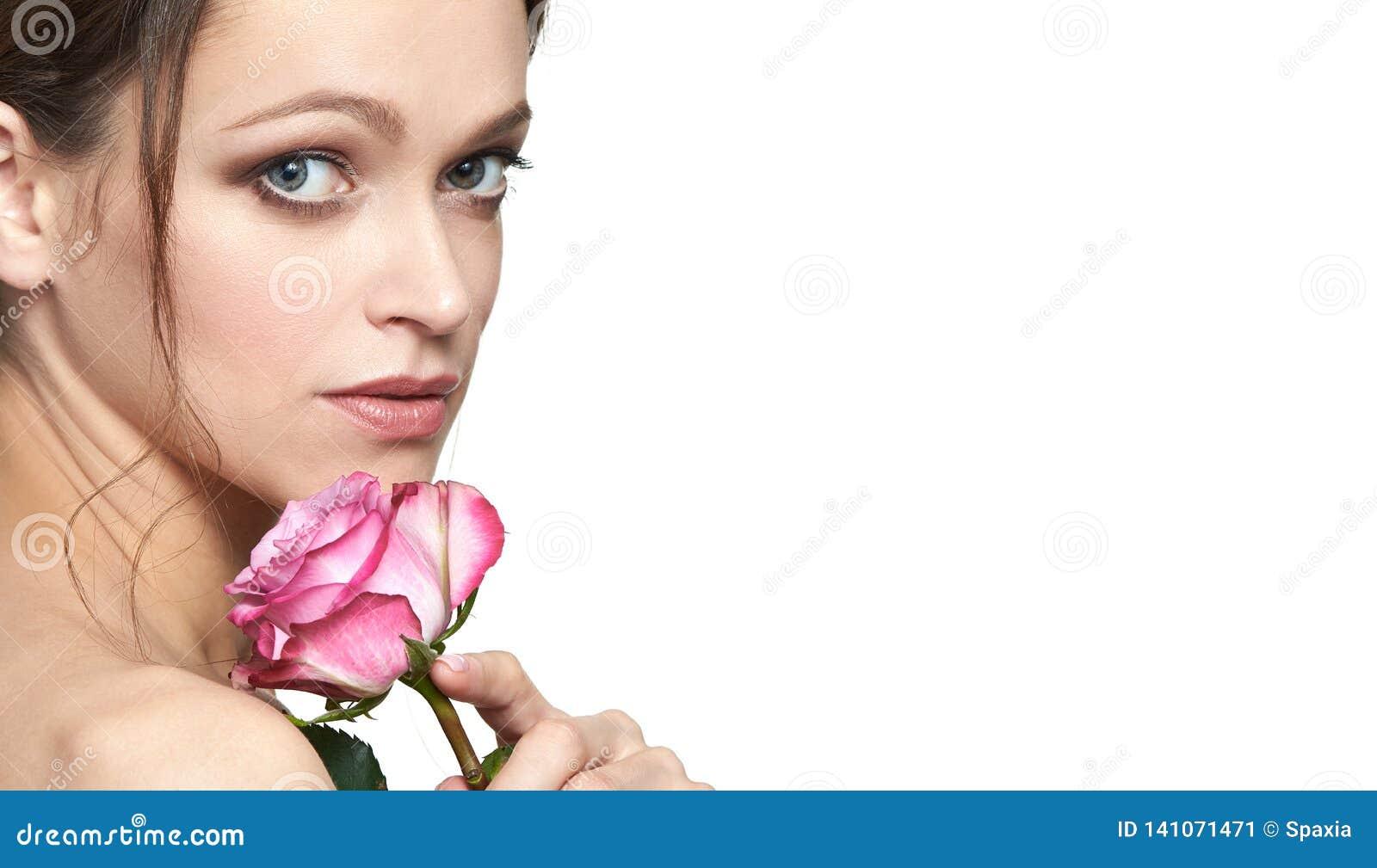 Face da mulher da beleza