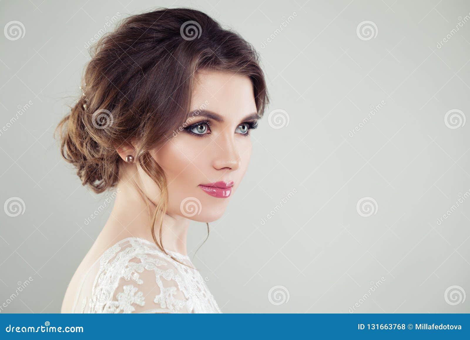 Face fêmea bonita
