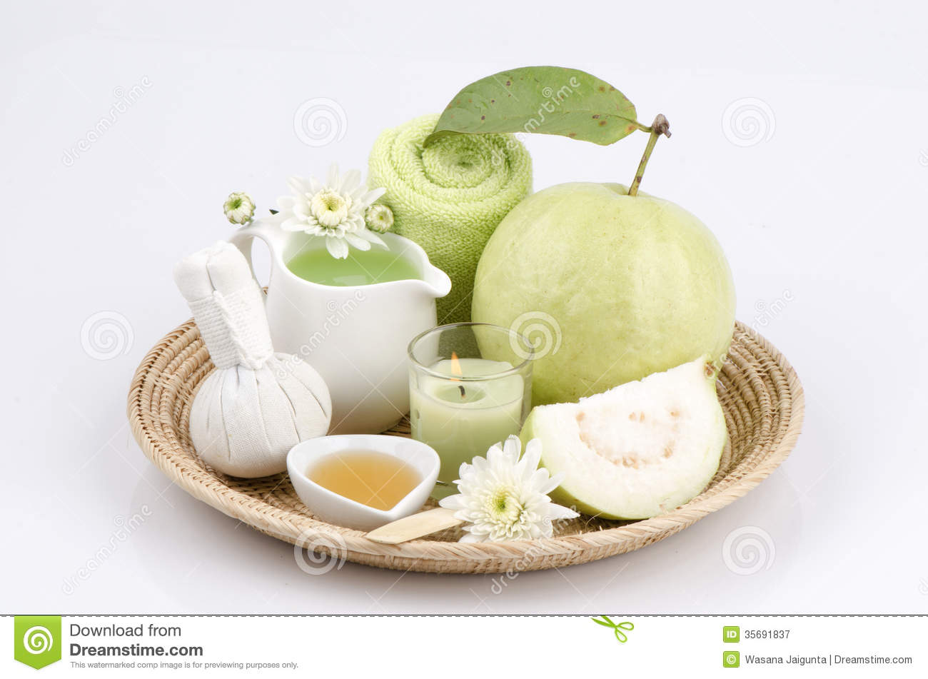 Face mask with fresh guava and honey stock photo for Honey beauty salon