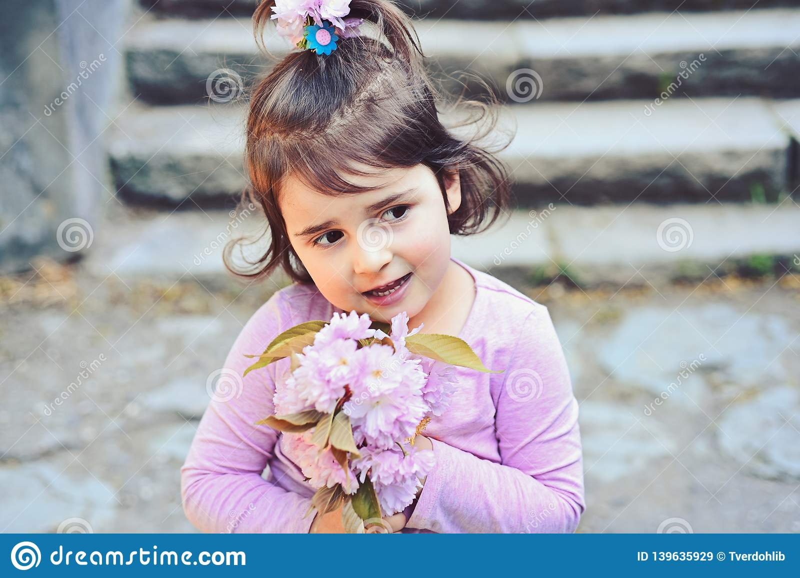 Face and skincare. allergy to flowers. Little girl in sunny spring. Springtime. weather forecast. Summer girl fashion