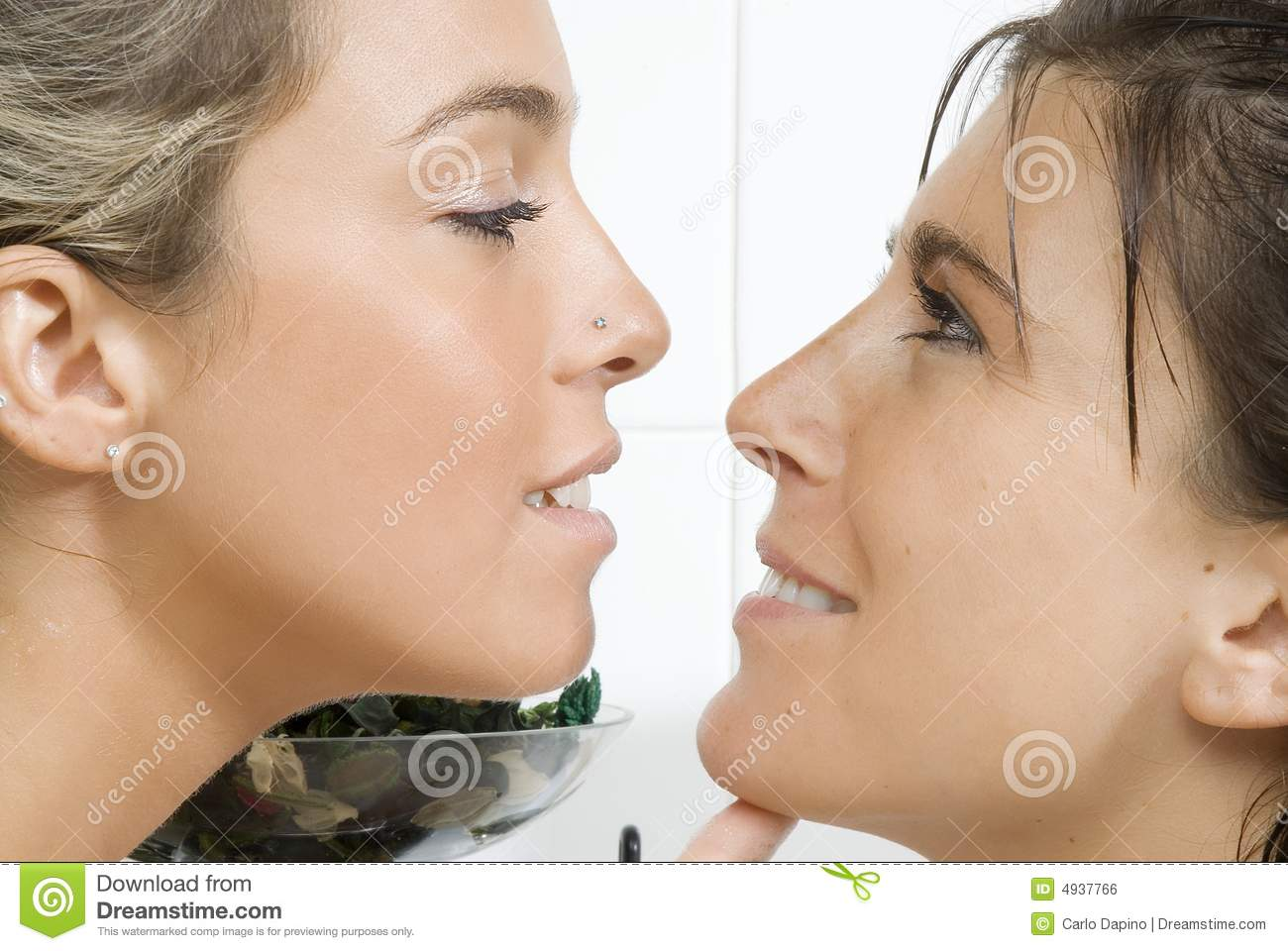 online dating face to face Traditional dating encapsulates the proven method of meeting a potential life partner face-to-face and building a bond through continual interactions you enjoy getting to know a potential.