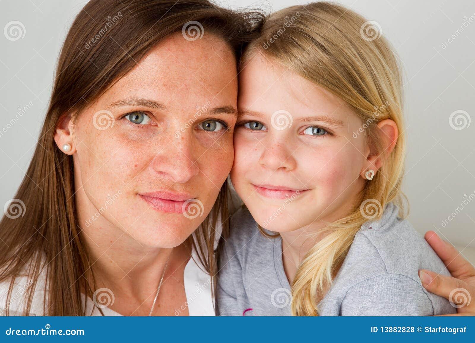 mom daughter facial