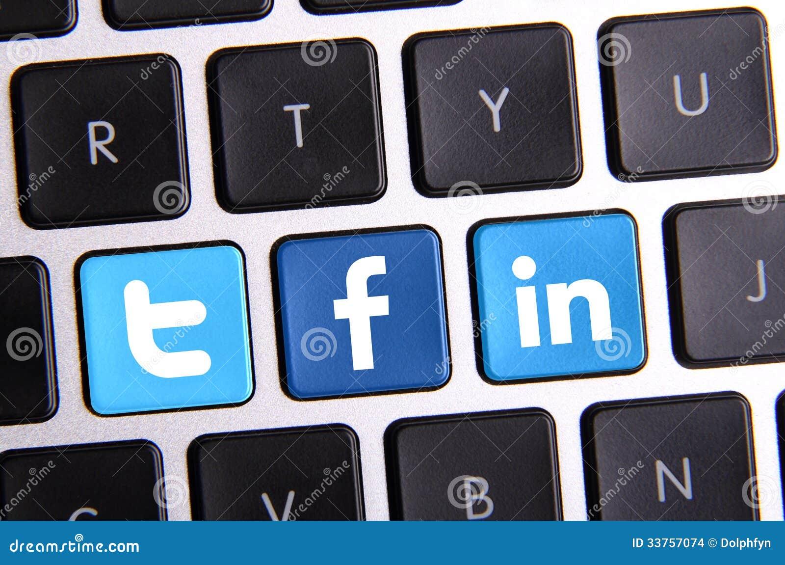 Facebook Linkedin i świergotu klawiatura