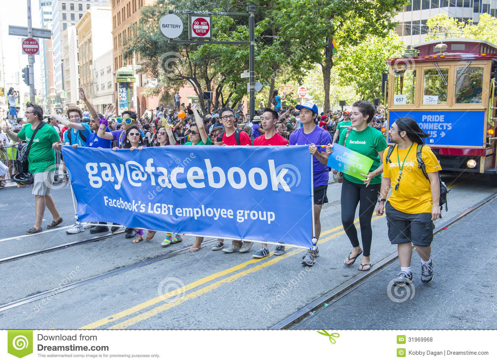 Facebook nel gay pride di San Francisco