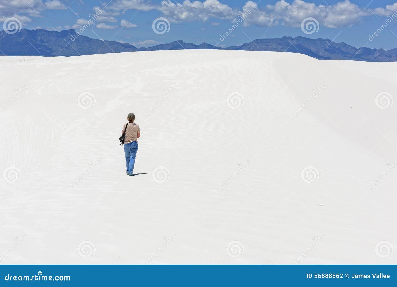 Facendo un escursione alle sabbie bianche