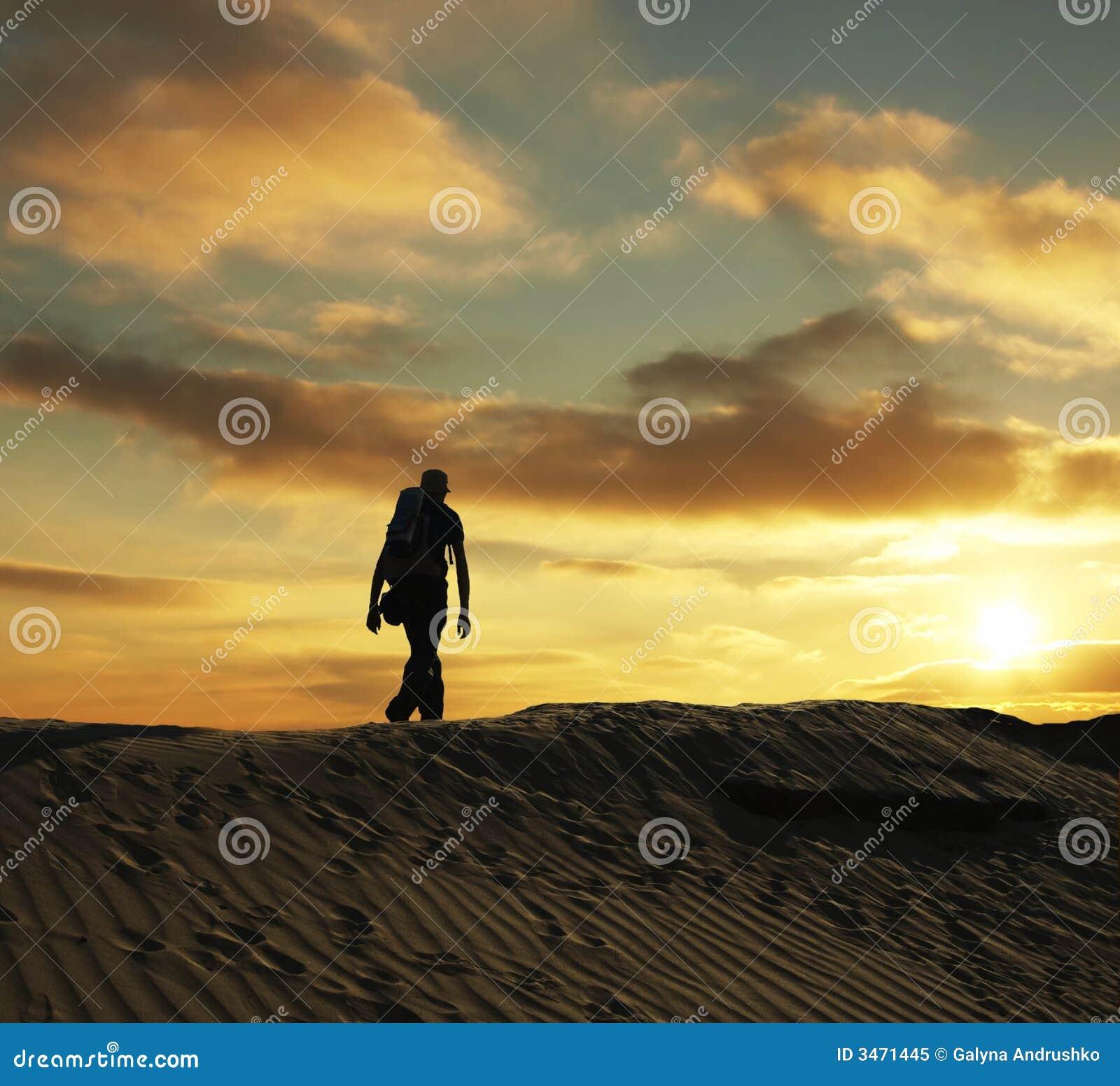Facendo un escursione sul tramonto