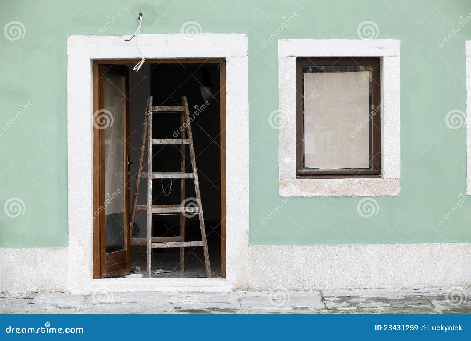 Fachada da casa da pintura imagens de stock royalty free for Pintura para fachadas de casas