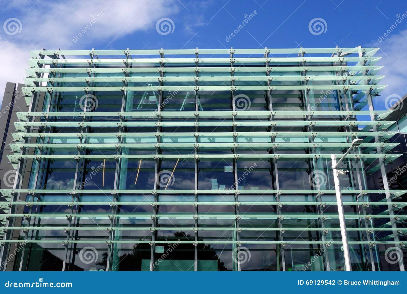 Fachada de cristal constructiva moderna foto de archivo - Fachada de cristal ...