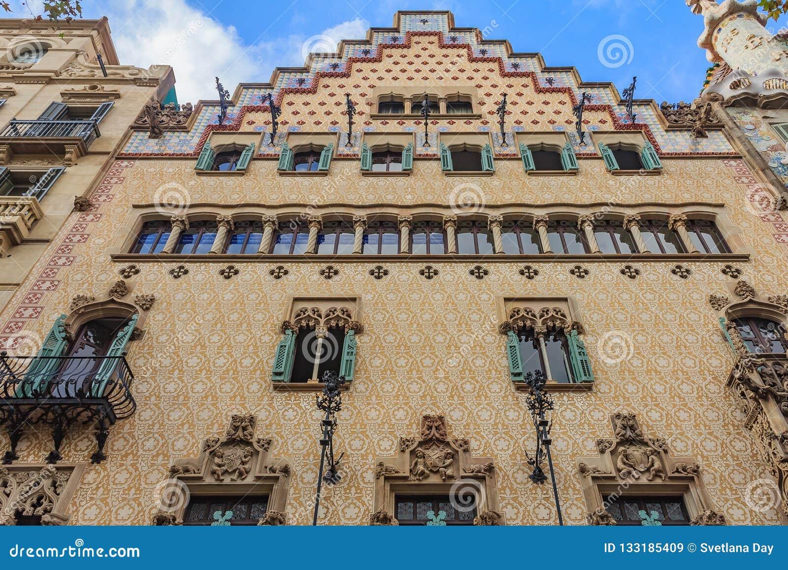 Fachada de la casa famosa Amatller, edificio diseñado por Antonio