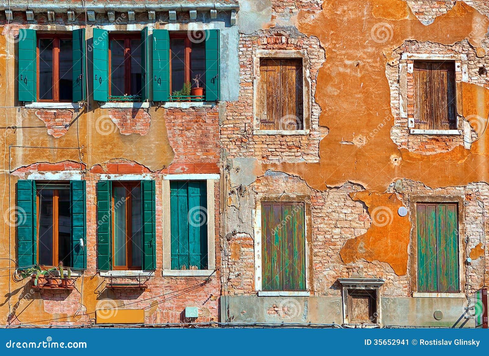 Fachada de la casa veneciana típica.