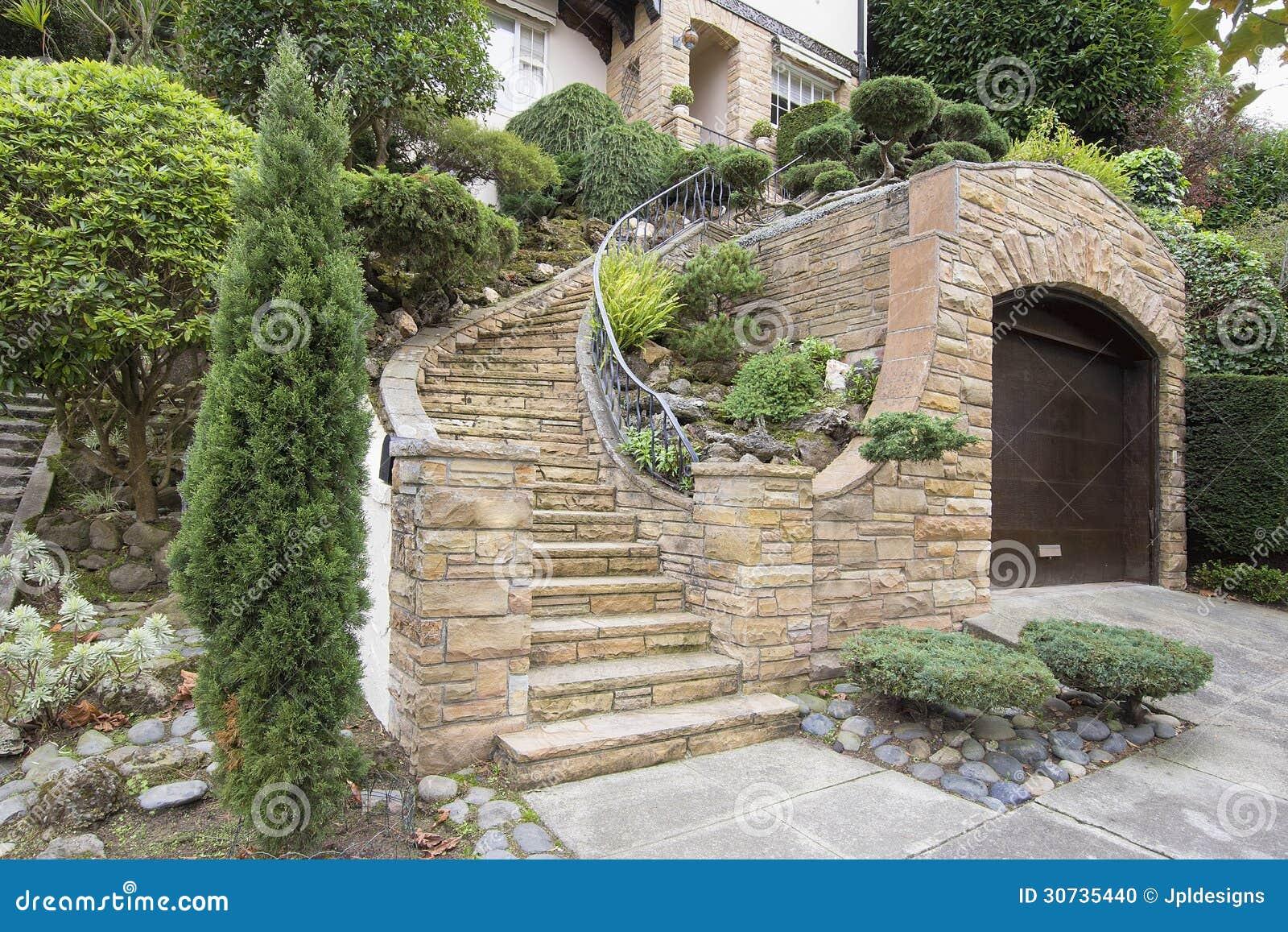 Fachada de piedra de la chapa en exterior del hogar foto - Piedra fachada exterior ...
