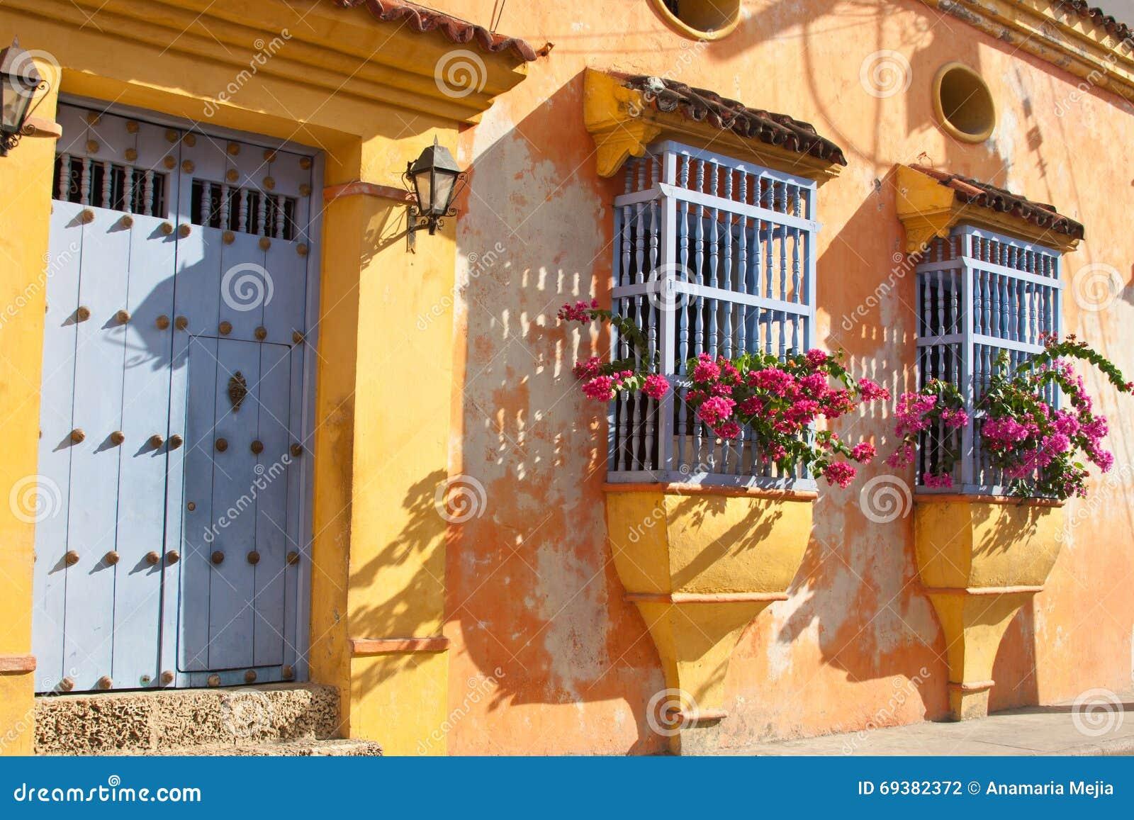 Fachada De Una Casa Colonial Foto De Archivo Imagen De Herencia