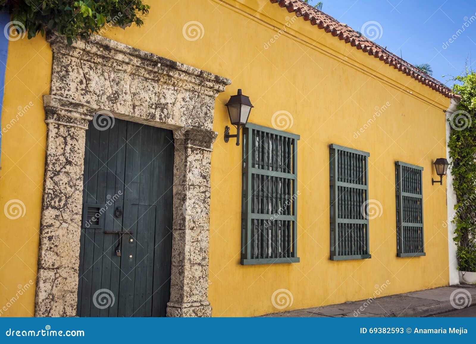 Fachada De Una Casa Colonial Imagen De Archivo Imagen De