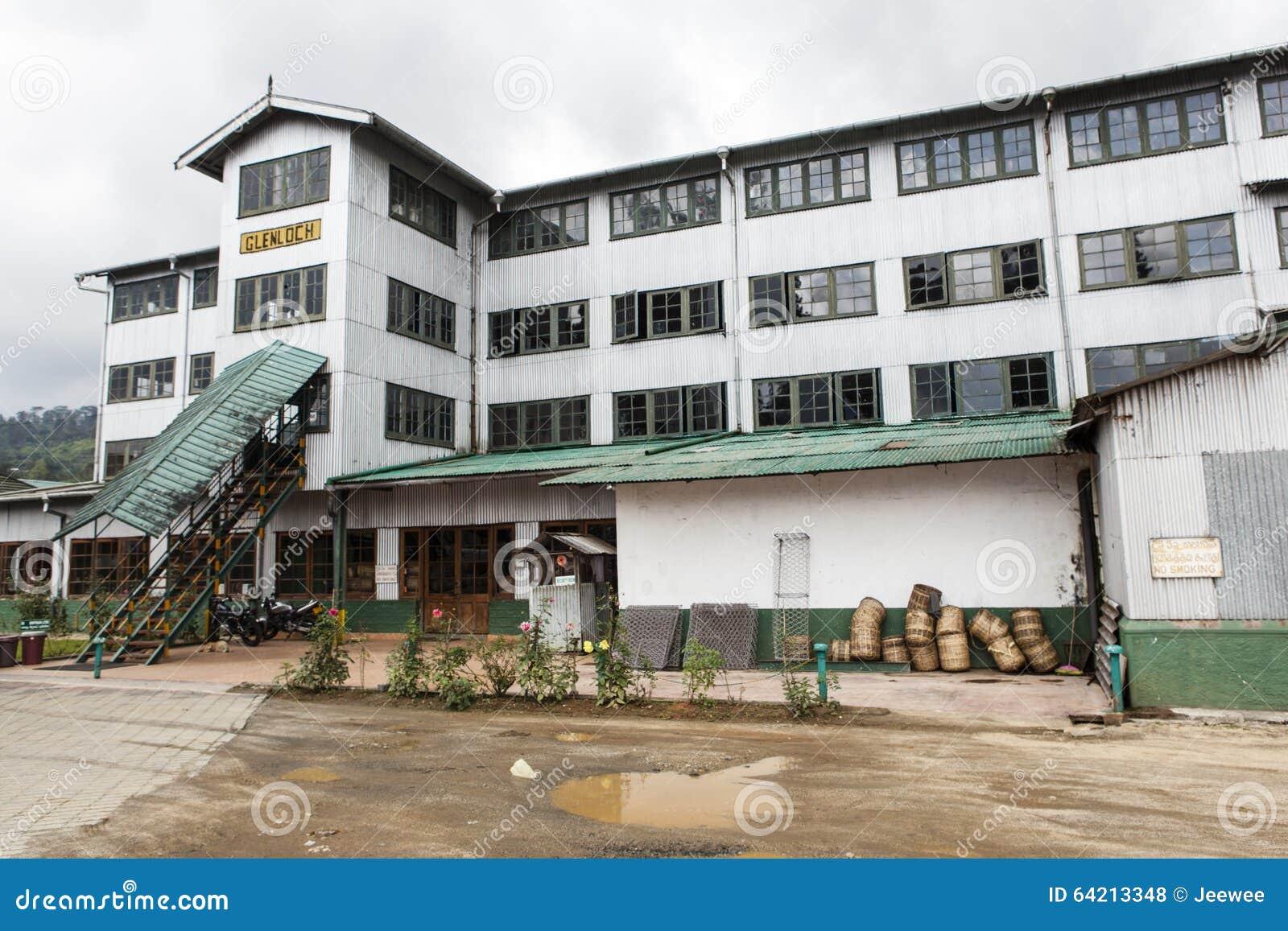 Fachada de una fábrica del té en Nuwara Eliya, país de la colina en Sri Lanka central